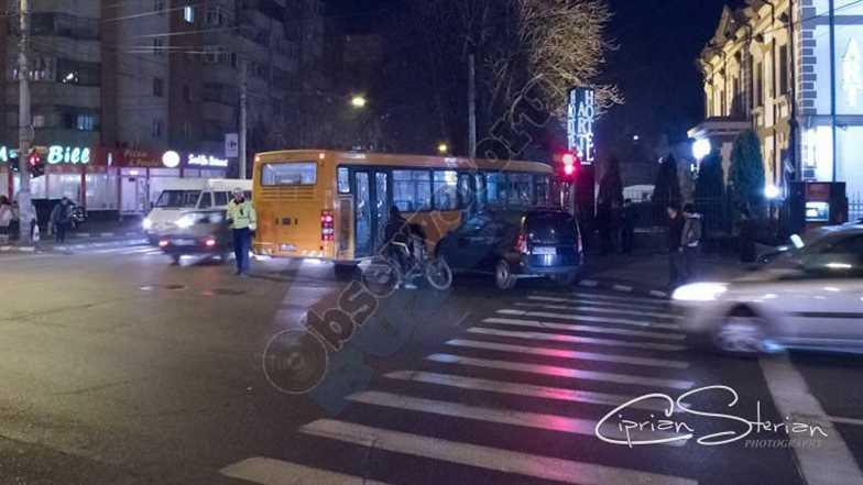 Autobuz pe Trotuar