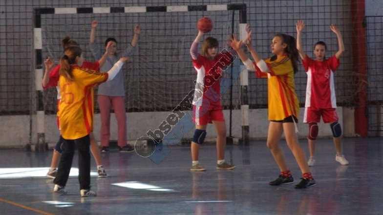 Handbal scolar Fete-2