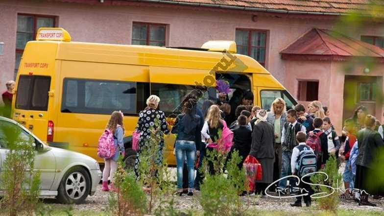 Microbuz scoala 4