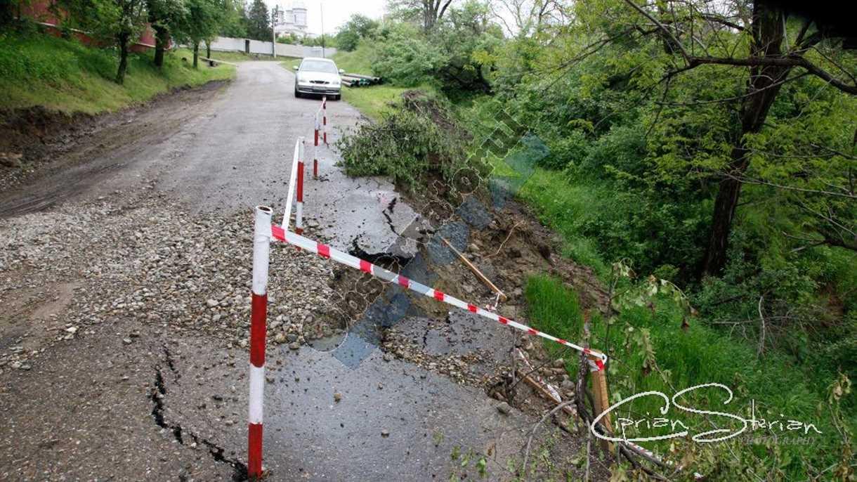 inundatii alunecari Berca-8